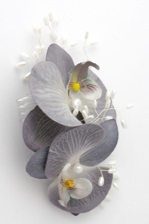 kwiaty na grzebyku