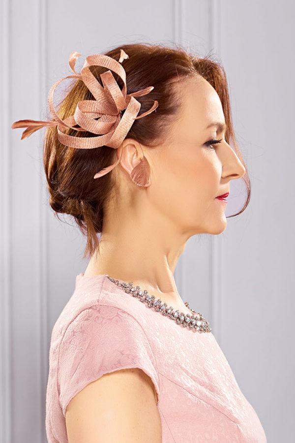 Ozdoba do włosów Expose Akcesoria Stroik Toczek dla mamy Panny Mlodej Pana mlodego sesja studyjna z Red Room