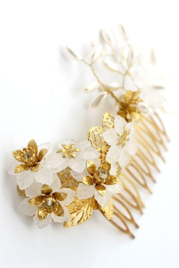 ślubny grzebyk z kwiatami