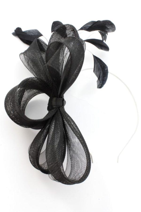 klasyczny czarny fascynator z krynoliny