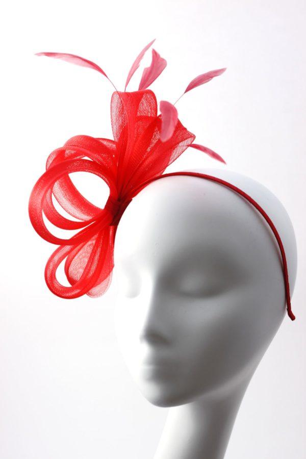 klasyczny czerwony fascynator z krynoliny