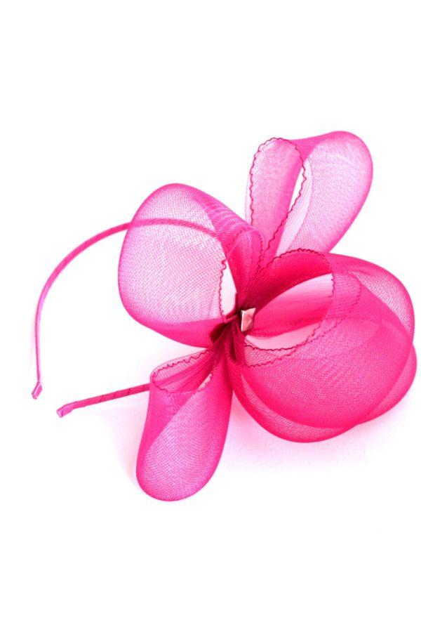 różowa kokarda z krynoliny