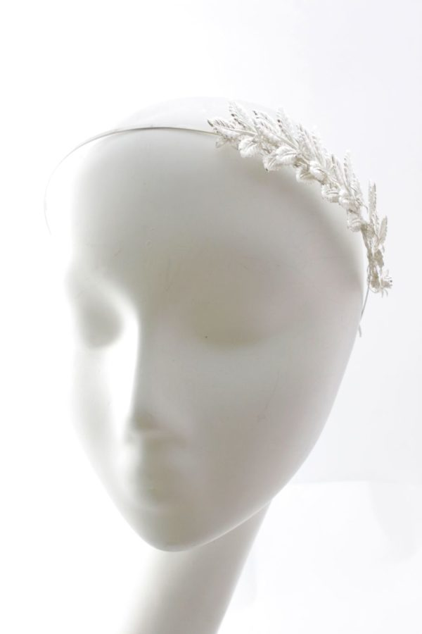 romantyczna opaska ze srebrnymi liśćmi