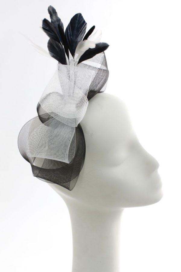biało-czarna kokarda na spince