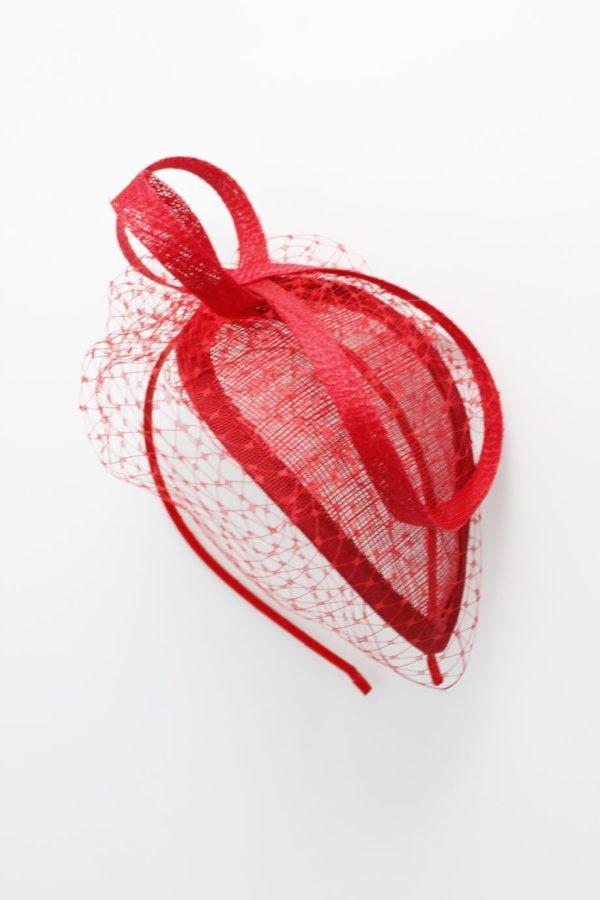 czerwony elegancki minimalistyczny toczek