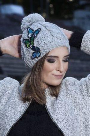 czapka szara z motylami