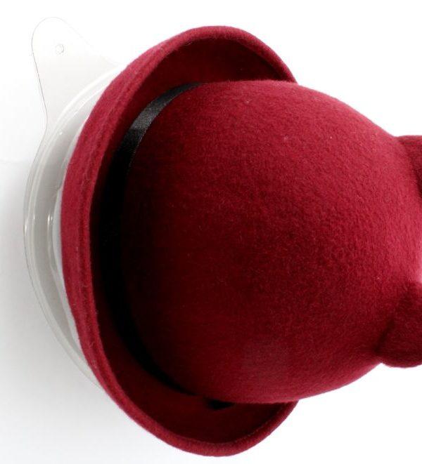 kapelusz bordowy z uszkami