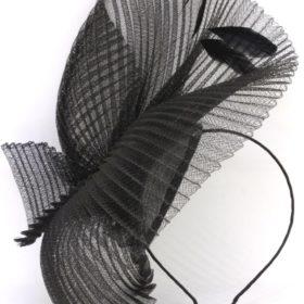 fascynator czarny plisowany jak Meghan Markle czarny od Expose Mirrage