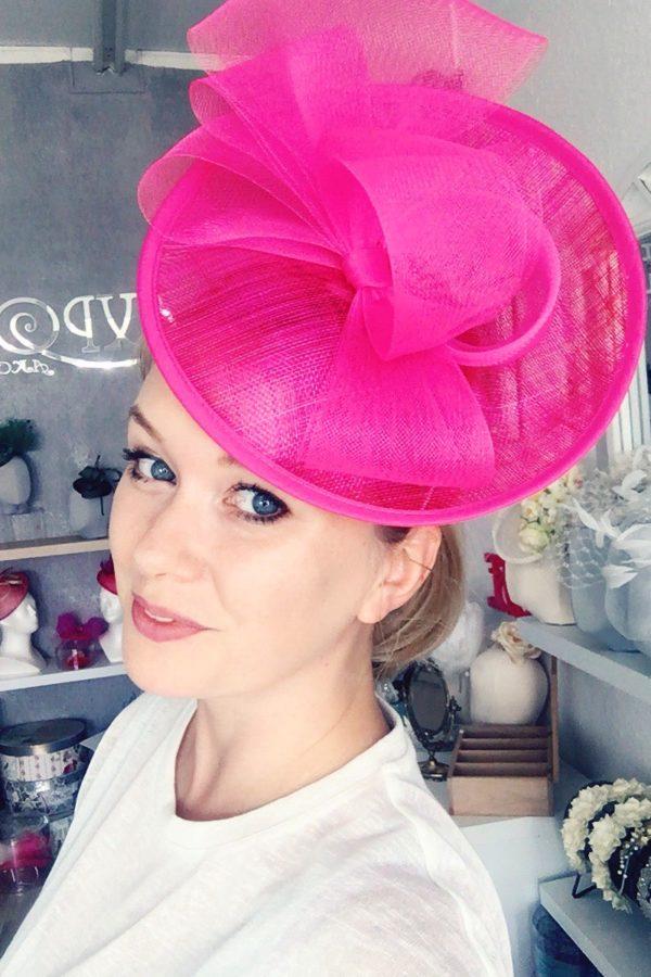expose toczek różowy kapelusz ozodba do włosów kokarda modysta szczecin