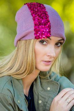 czapka różowa z cekinami