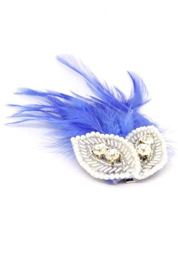 spinka w stylu retro z chabrowymi piórami