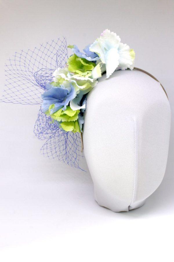 stroik kwiatowy z woalem na ślub i dla dziewczynek