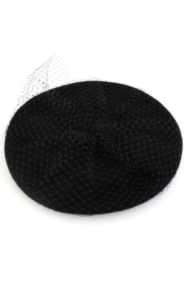 Czarny, wełniany beret z woalką