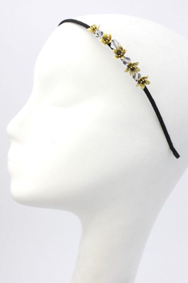cienka, minimalistyczna opaska z kwiatami i kryształkami
