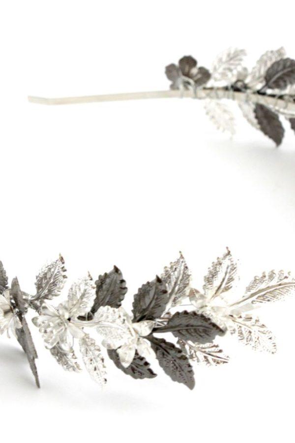 srebrno antracytowa opaska z listków metalowa z kwiatuszkami
