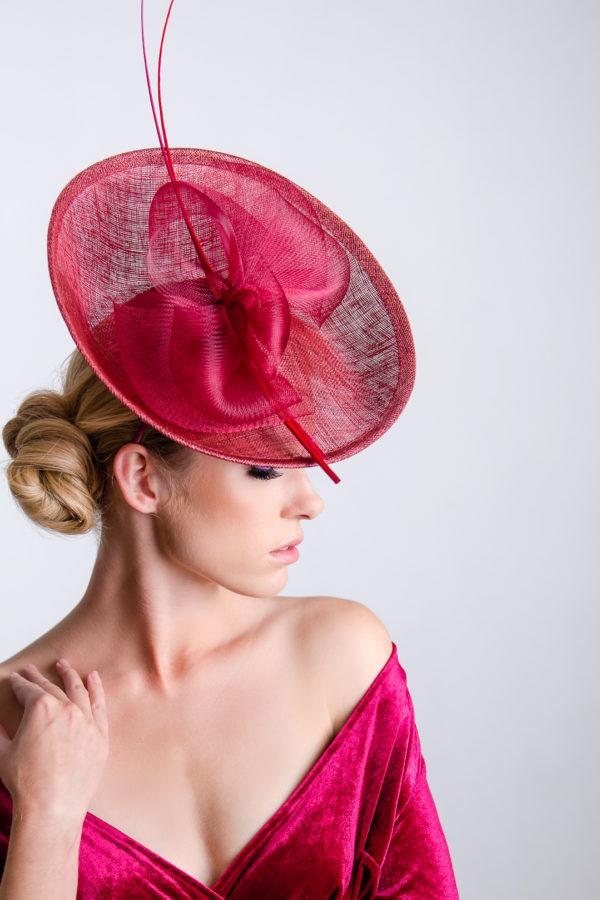 duży toczek hattinator bordo elegancki kapelusz