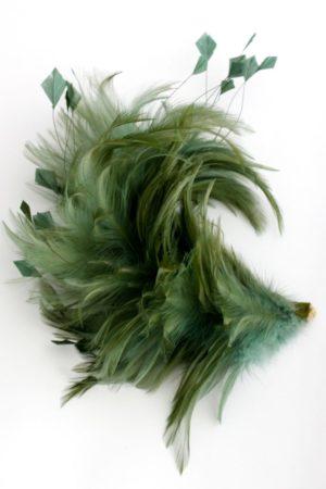 Zielony pióropusz na spince