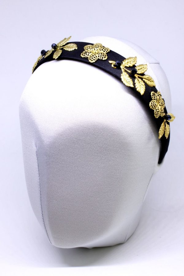 opaska z bogatym zdobieniem czarna ze złotem