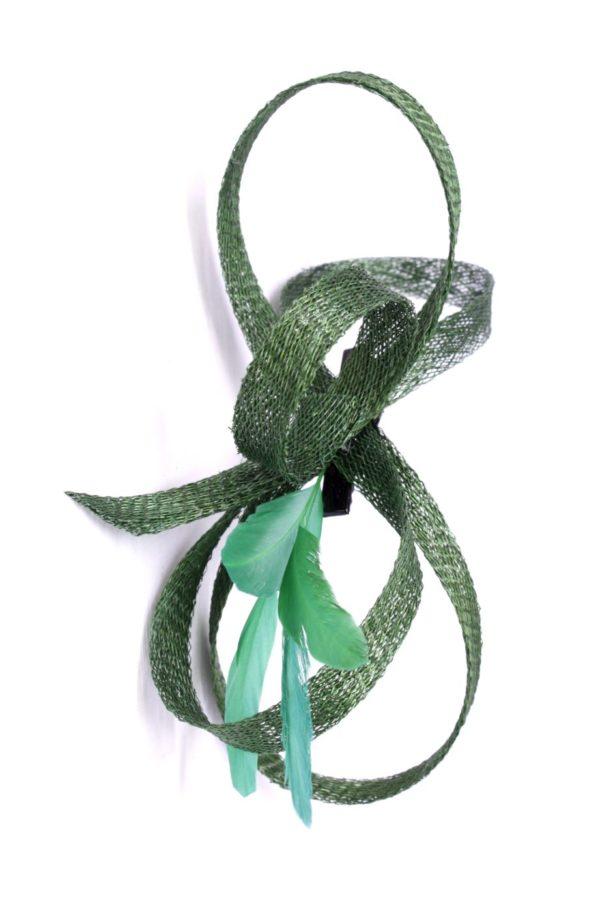 zielony fascynator sinamay do włosów ozdoba pióra