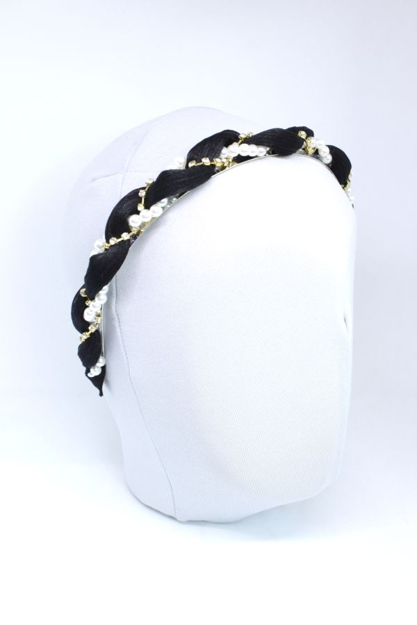 opaska z czarnego materiału perełek i koralików