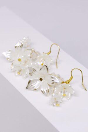 K215 (3) hawaii kolczyk z kwiatkami i złotem